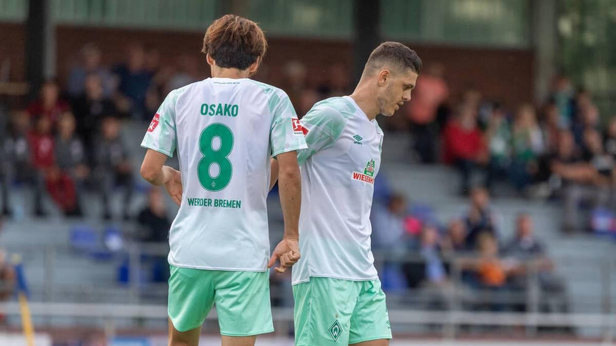 Milot Rashica (R) und Yuya Osako könnten Bremen schon bald verlassen