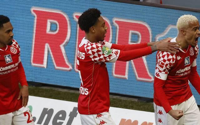 Robin Quaison erzielt gegen Freiburg sein erstes Tor des Jahres
