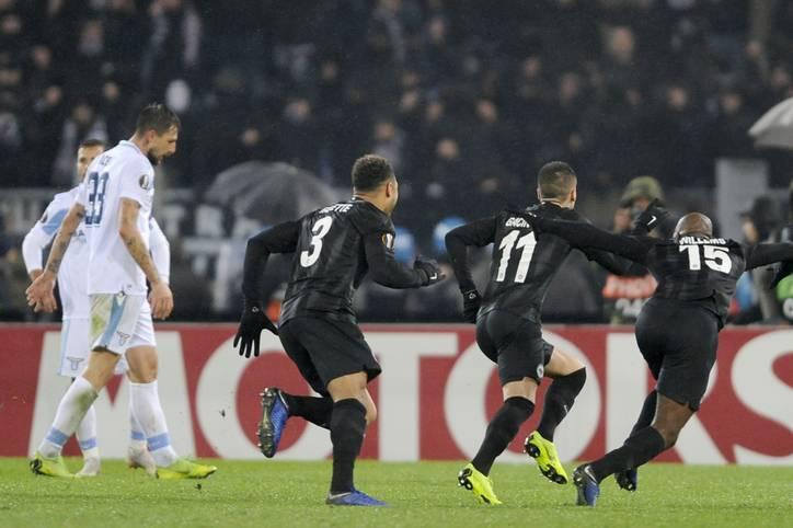Es ist vollbracht! Eintracht Frankfurt hat mit dem 2:1 bei Lazio Rom die Vorrunde ohne Punktverlust beendet und einen neuen deutschen Rekord aufgestellt. Noch nie zuvor gelang einem Bundesliga-Team in der Europa League eine perfekte Gruppenphase