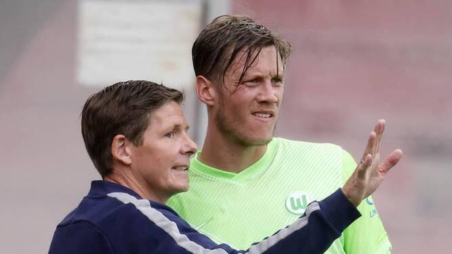 Wout Weghorst (r.) ist der beste Torjäger von Oliver Glasner bei Wolfsburg