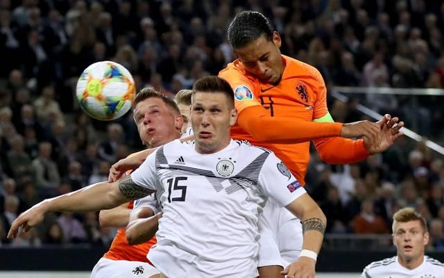 Virgil van Dijk setzt sich gegen die deutsche Abwehr durch