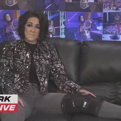 Hier meldet sich WWE-Star Bayley nach dem Verletzungsschock