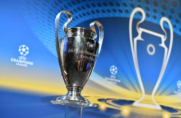 Mit dem FC Bayern, Borussia Dortmund und Schalke 04 sind noch drei deutsche Teams in der Champions League im Rennen um den begehrten Henkelpott. Ab 12 Uhr werden die Partien im Achtelfinale ausgelost