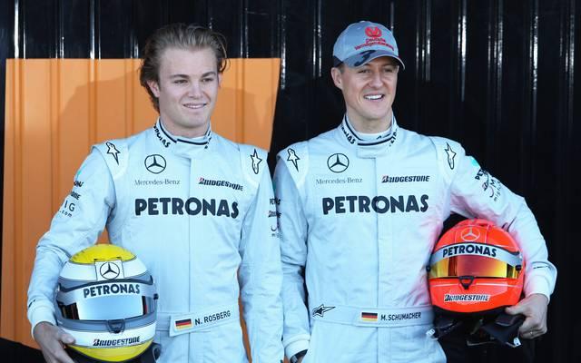 Michael Schumacher (r.) und Nico Rosberg waren drei Jahre lang Teamkollegen bei Mercedes