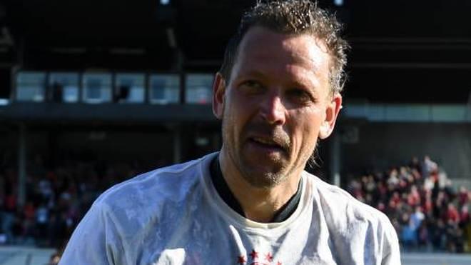 Trainer Holger Seitz nach dem Aufstieg mit dem FC Bayern München in die 3. Liga