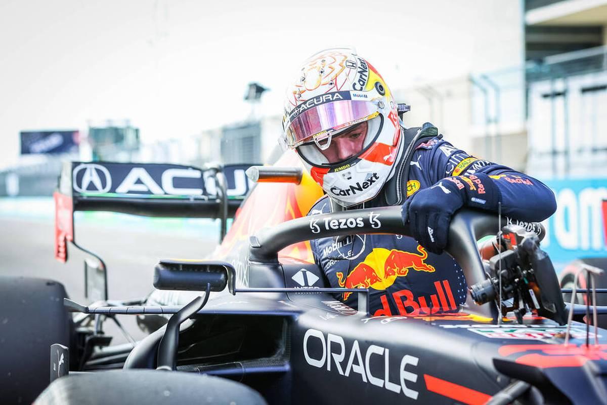 Beim Großen Preis der USA sichert sich Max Verstappen in der Formel 1 die Pole Position. Nicht nur Sebastian Vettel wird nach ganz hinten strafversetzt.
