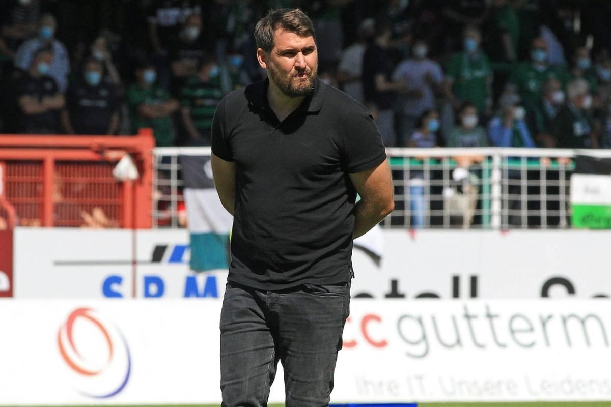 Fußball-Regionalligist Alemannia Aachen hat Trainer Patrick Helmes (37) beurlaubt.