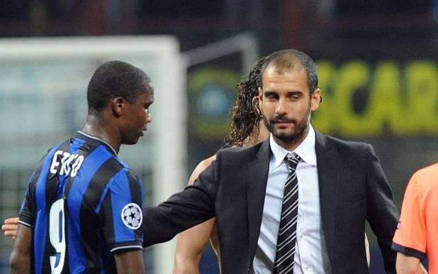 Samuel Eto'o (l.) war in seiner Karriere Gegner und Spieler von Pep Guardiola