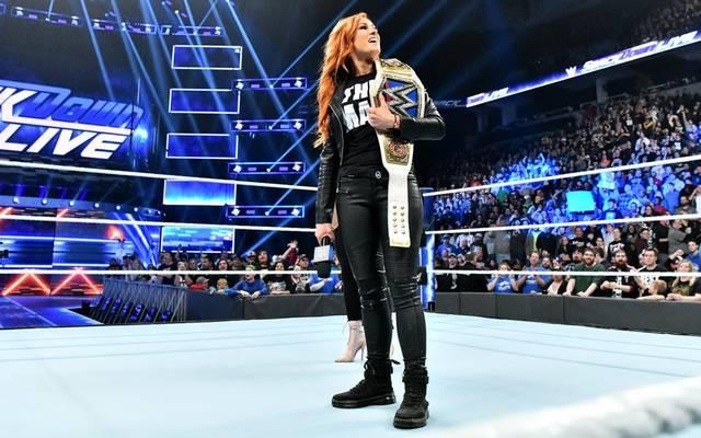 Becky Lynch muss ihren Titel im ersten TLC-Match der Frauen bei WWE bestreiten