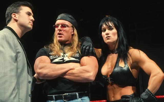 Chyna und Triple H (M., mit Shane McMahon) waren auch hinter den WWE-Kulissen ein Paar