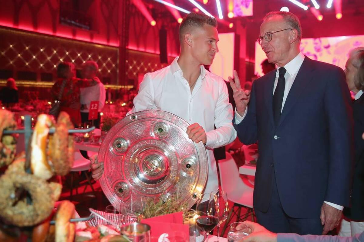 Die aktuellen und ehemaligen Bosse des FC Bayern äußern sich zu Joshua Kimmich. Auch Manuel Neuer spricht.