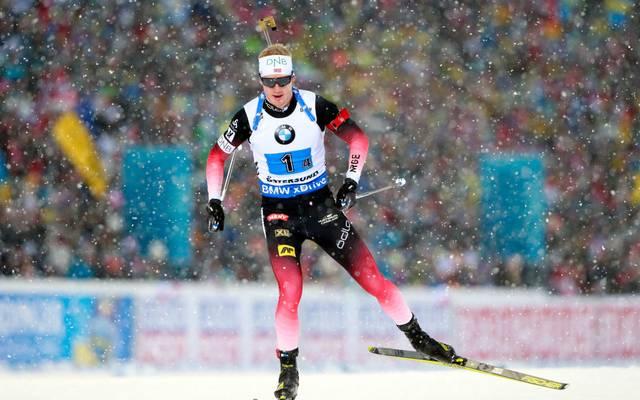 Johannes Thingnes Bö hat die norwegische Staffel in Östersund zum Sieg geführt
