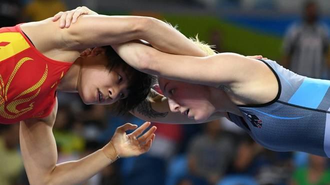 Nina Hemmer (r.) verpasst die Qualifikation für Tokio