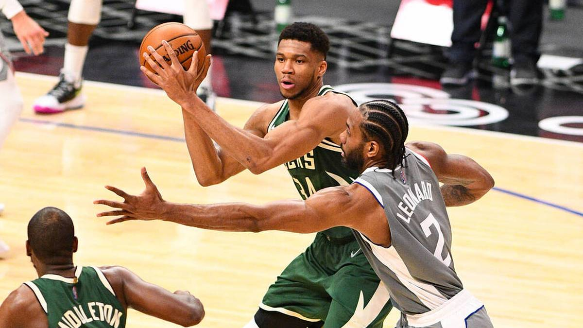 Giannis-Show bei Bucks-Sieg - Lakers vergeigen Saisonstart