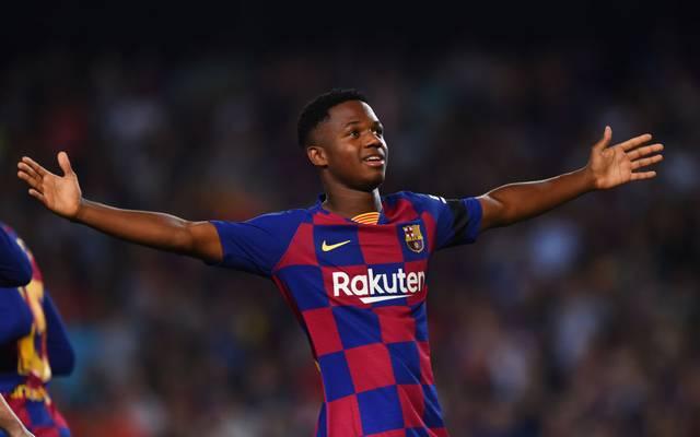 """Der FC Barcelona hat Anssumane """"Ansu"""" Fati mit einem neuen Vertrag ausgestattet"""