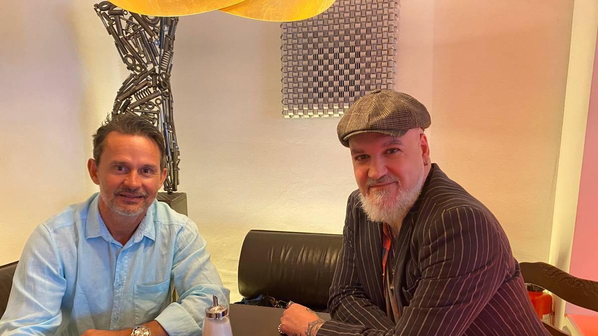SPORT1-Reporter Reinhard Franke traf Dirk Schuster in Karlsruhe zum großen Interview