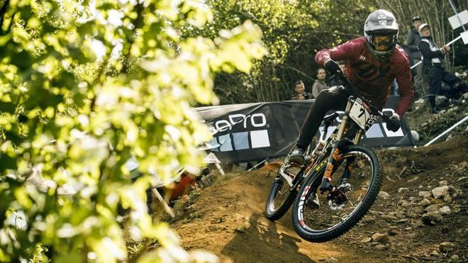 Atherton & Fayolle gewinnen Sintflut-Rennen in Lourdes