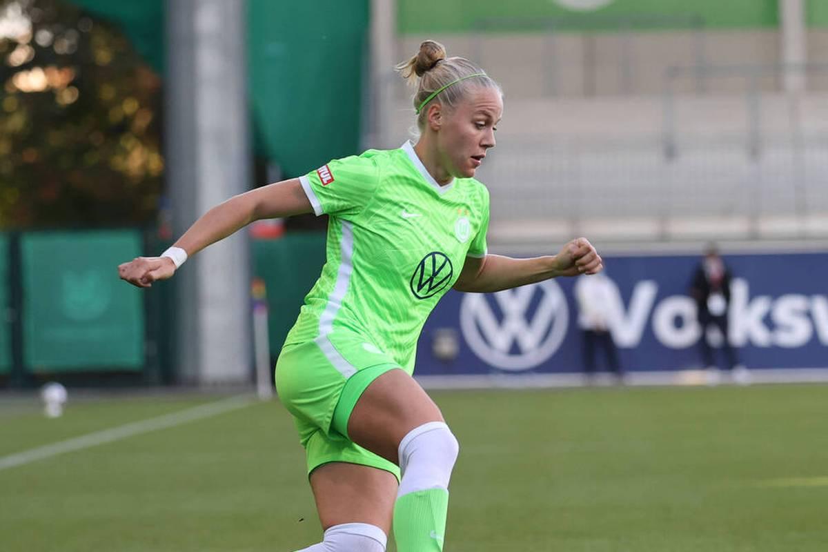Hiobsbotschaft für den VfL Wolfsburg: Das Spitzenteam muss lange auf eine Nationalspielerin verzichten. Pia-Sophie Wolter verletzt sich am Kreuzband.