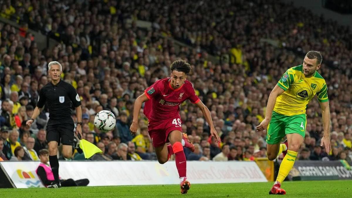 Um ein Haar wäre er gegen Norwich City Liverpools jüngster Torschütze geworden: Außenstürmer Kaide Gordon (l.)