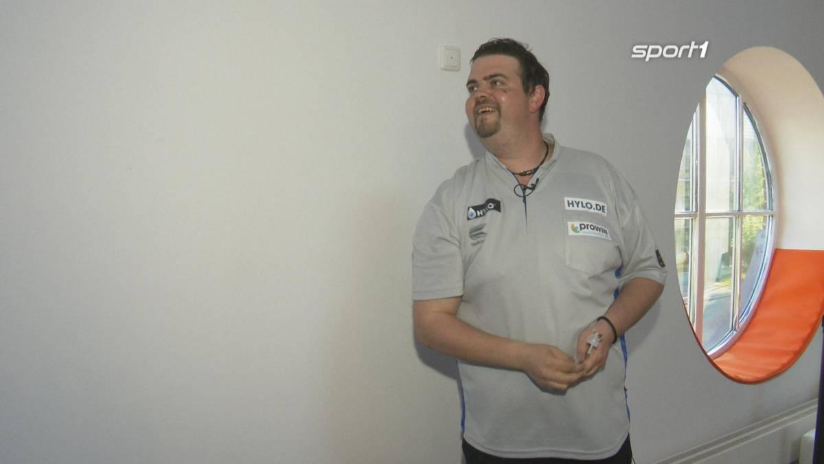 Gabriel Clemens ist der Turnier-Favorit bei der HYLO CARE PDC Europe Super League. Im Speed-Interview gibt die deutsche Nummer zwei Einblicke.