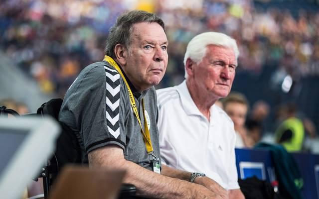 Joachim Deckarm schaut zum 65. Geburtstag das Handball-WM-Spiel zwischen Deutschland und Island