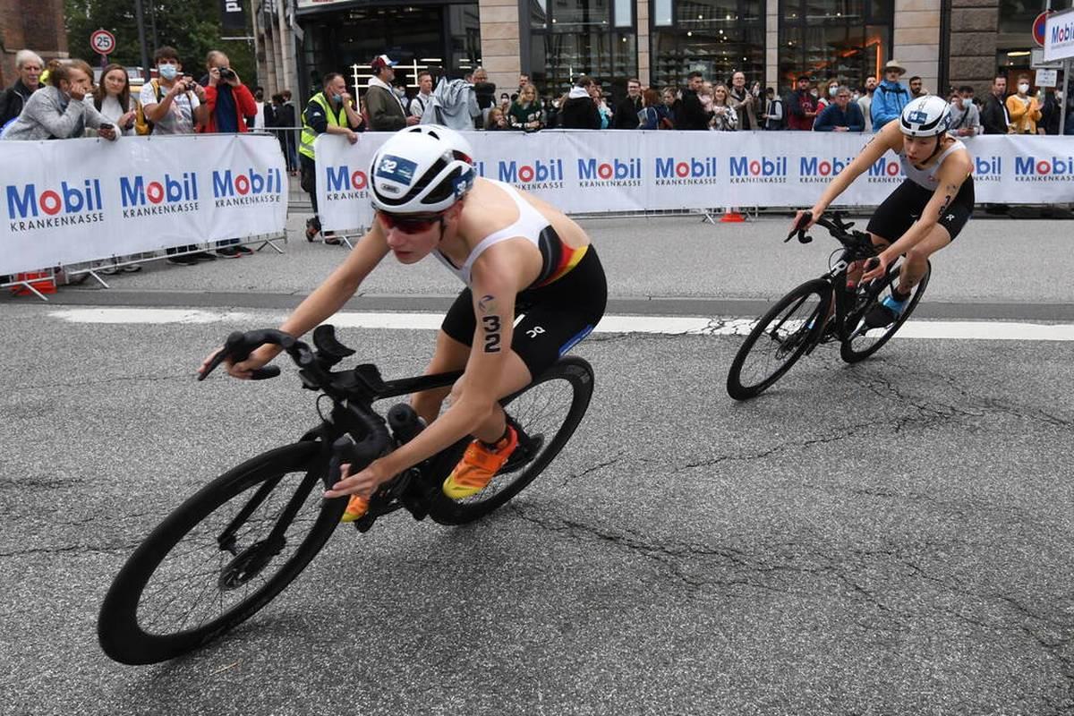 Annika Koch feiert bei der Triathlon-EM einen großen Erfolg. Lena Meißner und Nina Eim runden das gute Resultat der deutschen Triathletinnen ab.