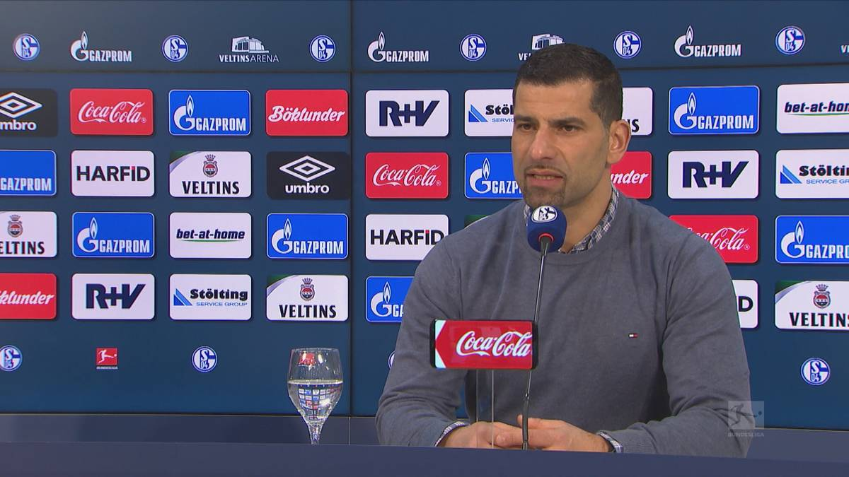 Der FC Schalke 04 kassiert im Krisen-Gipfel die nächste Pleite und erleidet den Todesstoß. Trainer Dimitrios Grammozis nimmt Stellung zu Totalausfall William.