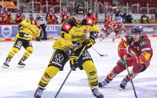 Die Krefeld Pinguine (gelb) unterlagen der Düsseldorfer EG