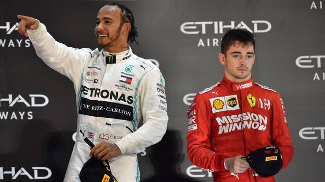 Lewis Hamilton (l.) bekäme bei Ferrari Charles Leclerc als Teamkollegen