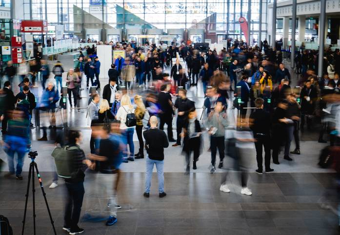Internationales Publikum auf der ISPO 2019