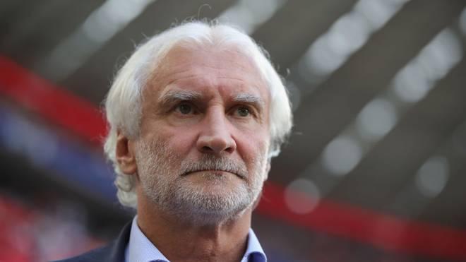 Bayer-Geschäftsführer Rudi Völler findet nach der Schlappe gegen Gladbach deutliche Worte