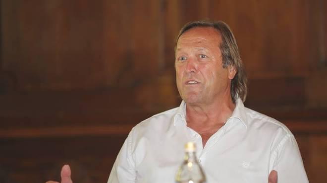 Erich Kühnhackl ist mit 211 Länderspielen deutscher Rekord-Nationalspieler
