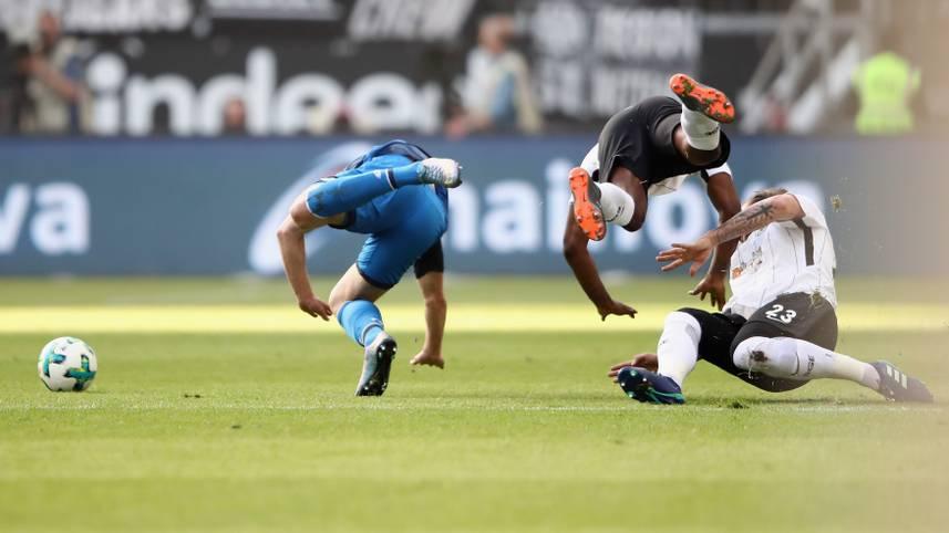 Im direkten Duell um die Europapokalplätze empfängt am frühen Sonntagabend Eintracht Frankfurt die TSG Hoffenheim. Und es geht ordentlich zur Sache. SPORT1 hat die Bilder des 29. Bundesliga-Spieltags