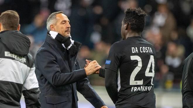 Danny Da Costa (r.) und Eintracht-Trainer Adi Hütter kommen derzeit nicht mehr miteinander aus