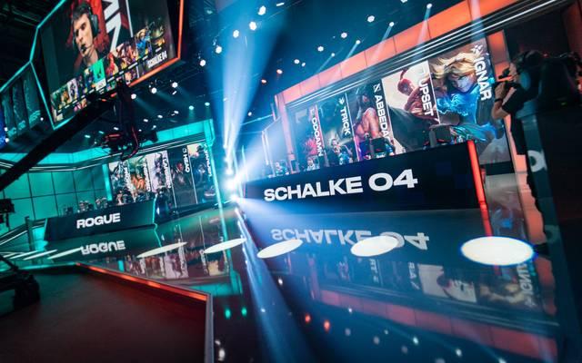 Schalke 04 steht vor der zweiten LoL-Endrunde in der Vereinsgeschichte, während Rogue der ersten entgegenfiebert. Doch wer macht am Ende das Rennen?