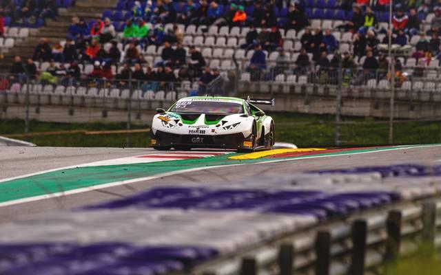 ADAC GT Masters auf dem Red Bull Ring: Der Bolide vom Team GRT Grasser Racing mit Albert Costa Balboa und Franck Perera