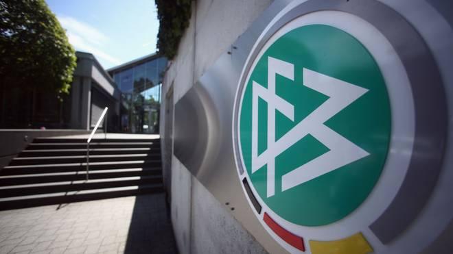 DFB sperrt Platzverweis-Duo