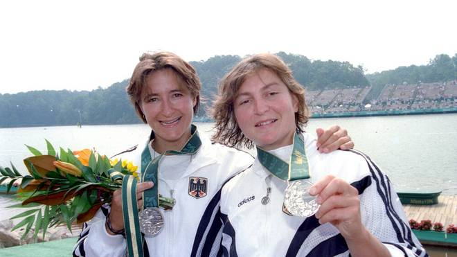 Olympiasieger: Die erfolgreichste Deutsche bei den Olympischen Spielen - Birgit Fischer (r.).