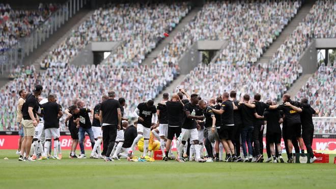 In der kommenden Saison wollen die Gladbacher wieder vor echten Fans feiern