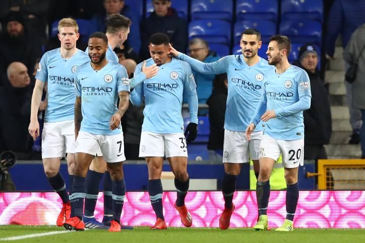 Die englische Spieler-Vereinigung PFA hat das Team und den Spieler des Jahres in der Premier League gewählt. Auch wenn der beste Spieler der englischen Elite-Liga erst am Sonntag bekanntgegeben werden soll, haben verschiedene Zeitungen bereits den Sieger enthüllt