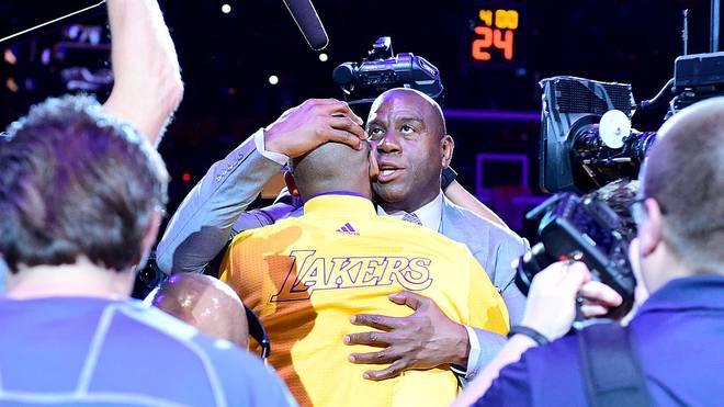 Lakers-Legende Magic Johnson hält eine bewegende Rede für den verstorbenen Kobe Bryant