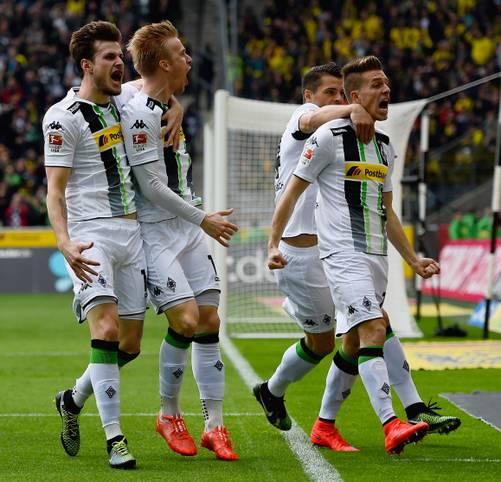 Wie in den glorreichen 70er Jahren sind Borussia Mönchengladbach und der FC Bayern an diesem Wochenende eine Klasse für sich. Das schlägt sich auch in der SPORT1-Elf des 28. Spieltags nieder, die die beiden Top-Teams mit jeweils drei Spielern dominieren - klicken Sie sich durch!