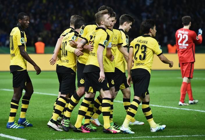 Borussia Dortmund zieht durch ein 3:0 bei Hertha BSC zum dritten Mal in Folge ins Finale des DFB-Pokals ein. SPORT1 zeigt die beiden Teams in der Einzelkritik