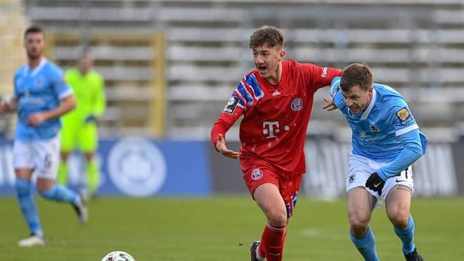 Angelo Stiller (li.) verlässt im Sommer den FC Bayern München