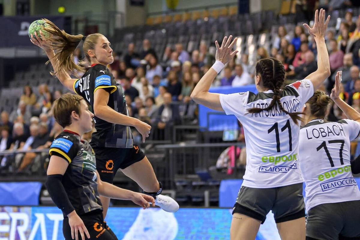 Die deutschen Handballerinnen müssen in der EM-Qualifikation einen ersten Dämpfer hinnehmen. Sie kommen gegen Belarus nicht über ein Remis hinaus.