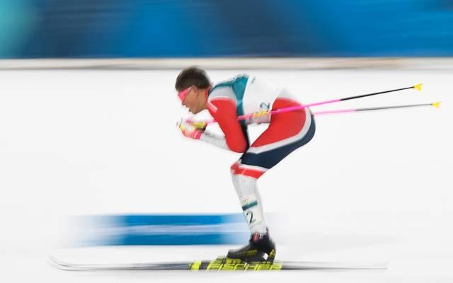 Johannes Hösflot Kläbo gewinnt den Freistil-Sprint der Herren bei der Tour de Ski