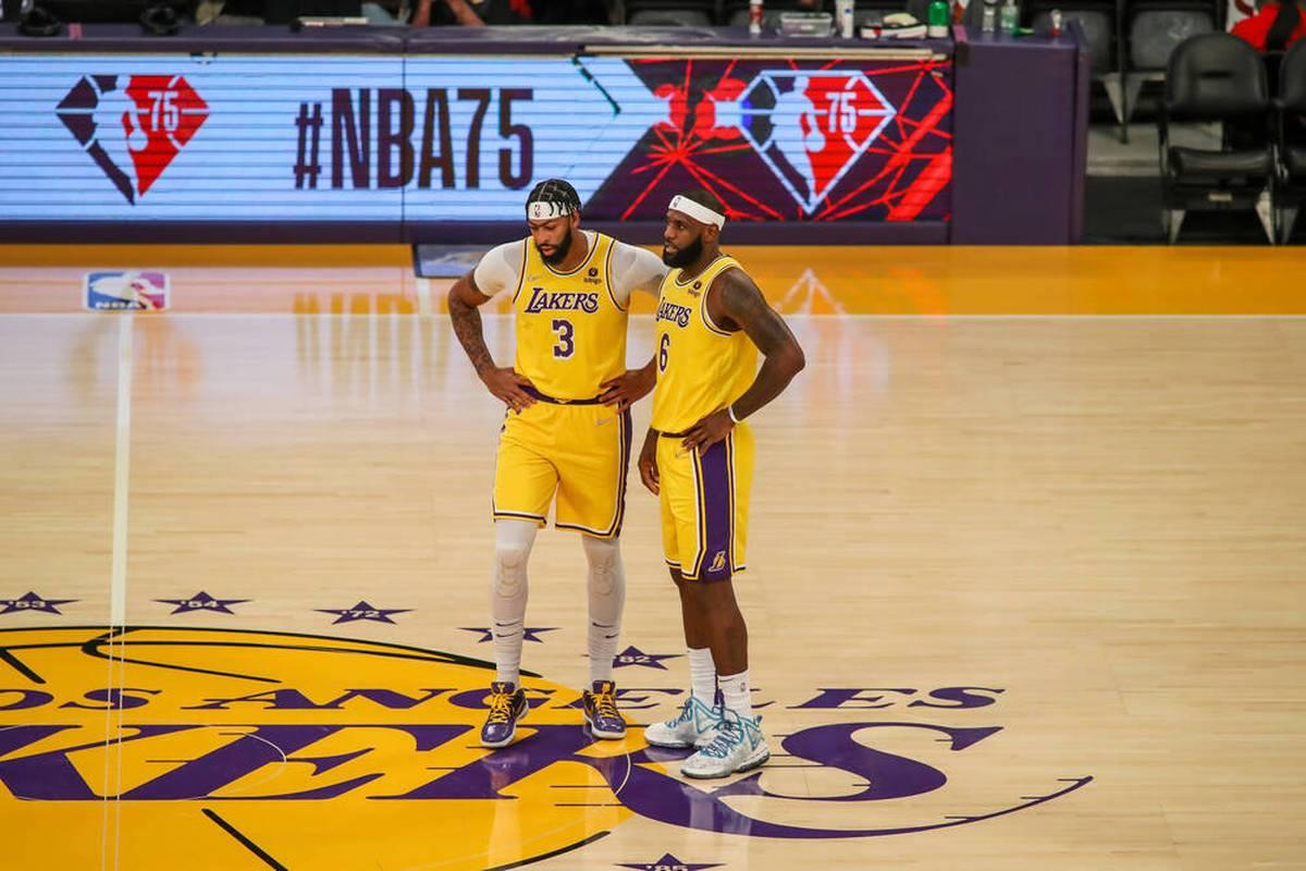 Die Los Angeles Lakers vergeigen nicht nur den Saisonstart, sondern haben auch noch mit internen Auseinandersetzungen zu kämpfen. In L.A. spielt man die Probleme aber herunter.