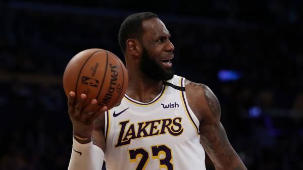 LeBron James muss mit den Lakers gegen Memphis ran