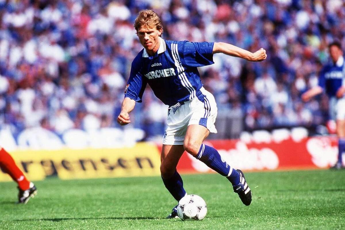 Zum Topspiel der 2. Bundesliga tritt der FC Schalke 04 bei Hansa Rostock an. Erinnerungen an ein legendäres Spiel im Jahr 1996 werden wach. Ein Rückblick.
