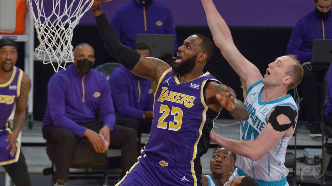 LeBron James spricht sich für Steph Curry als MVP aus